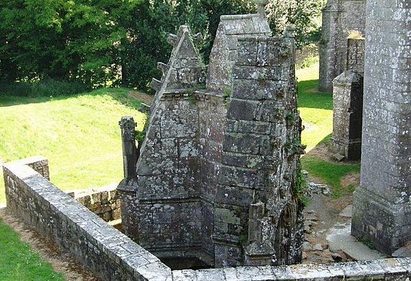 La Fontaine de la Chapelle Saint-Nocidème
