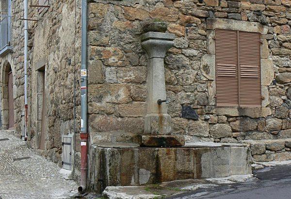 La Fontaine de l'Entressac