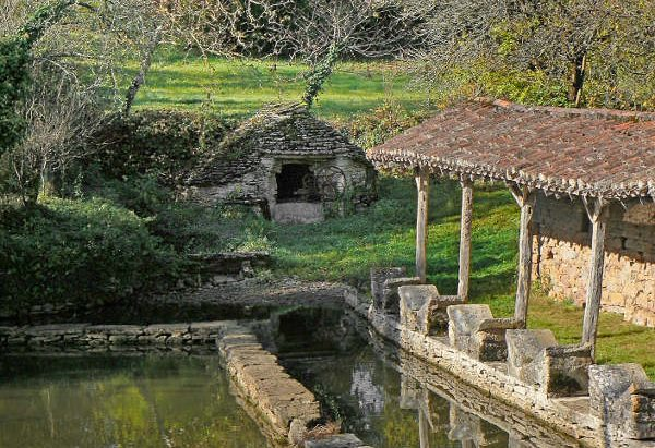 La Fontaine et la Lavoir Papillon