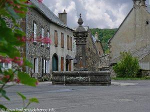 La Fontaine Place du Village