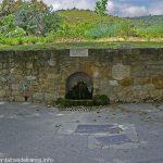 La Fontaine Face à l'Eglise