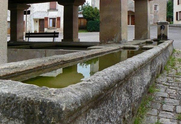 La Fontaine Lavoir Place du Marais