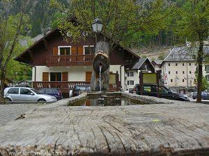 La Fontaine Place du Champ de Foire