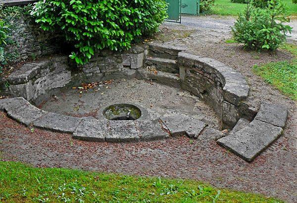 Fontaine Sanctuaire de N-D d'Arliquet