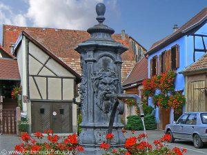 La Fontaine Place du Marché aux Echalas