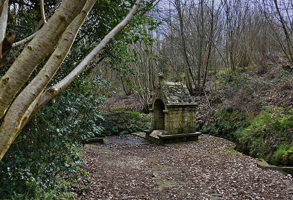 La Fontaine Notre-Dame des Vertus
