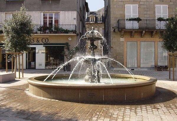 La Fontaine Place du Civoire