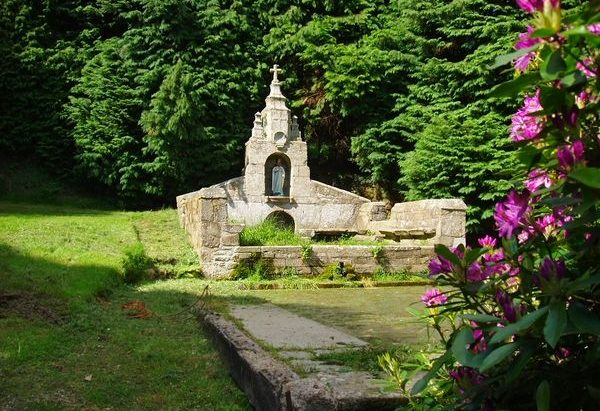 La Fontaine Sainte-Hélène