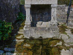 La Fontaine St-Caradec dite des Mariés