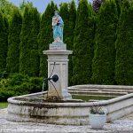 La Fontaine de la Vierge à l'Enfant