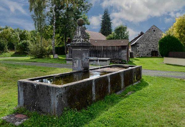 La Fontaine 1910 à Mazayes-Haute