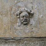 Sculpture sur une façade