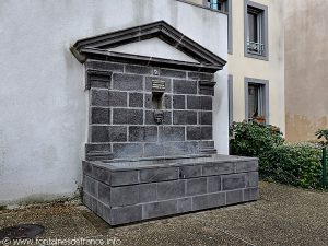 La Fontaine Square du Château