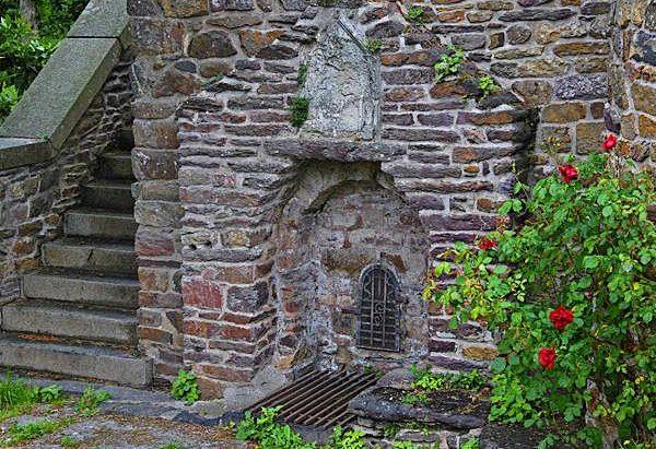 La Fontaine Saint-Genou