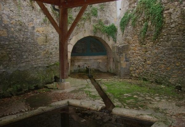 Les Fontaines-Lavoirs