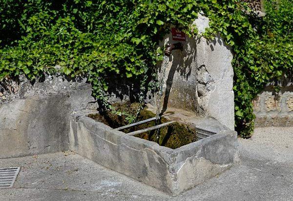 Les Fontaines Place Pommier