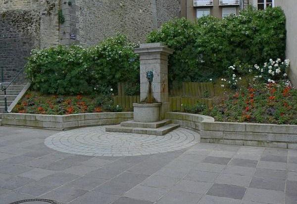 La Fontaine rue Val de Mayenne