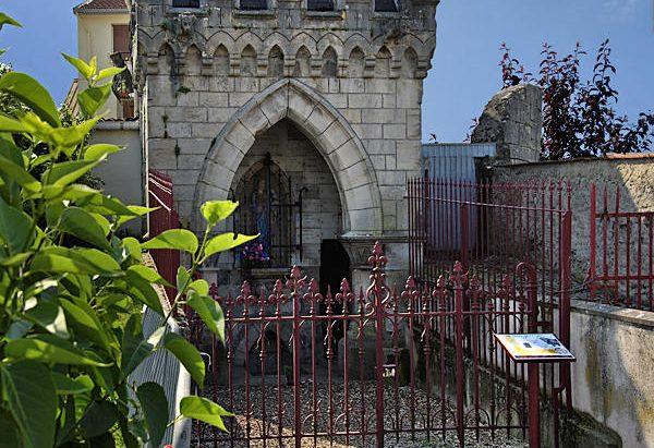 La Fontaine Notre-Dame des Fossés