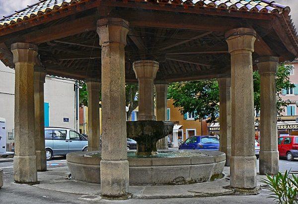 La Fontaine Place Louis Cornillac