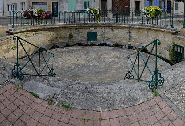 La Fontaine Nau-Hons ou des Romains
