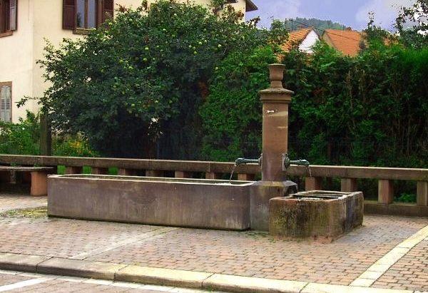 La Fontaine rue des Romains