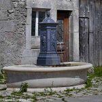 Fontaine rue Principale