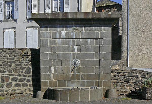 La Fontaine rue Saint-Mary