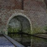 La Source et le Lavoir Tunnel