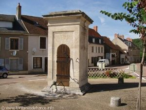 La Fontaine Place du Colonel Roche