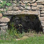 La Fontaine-abreuvoir de Létrade