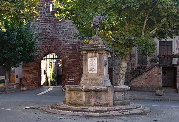 La Fontaine Avenue de la Tour