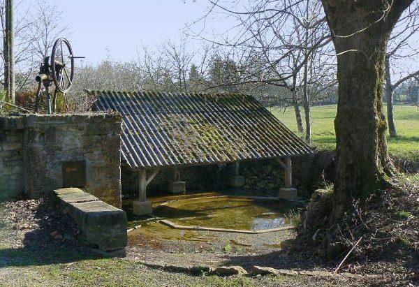 La Fontaine Lavoir de Magné