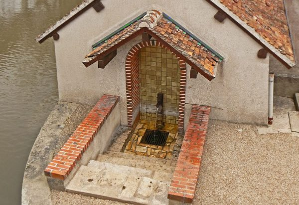 La Fontaine au bord du Cosson