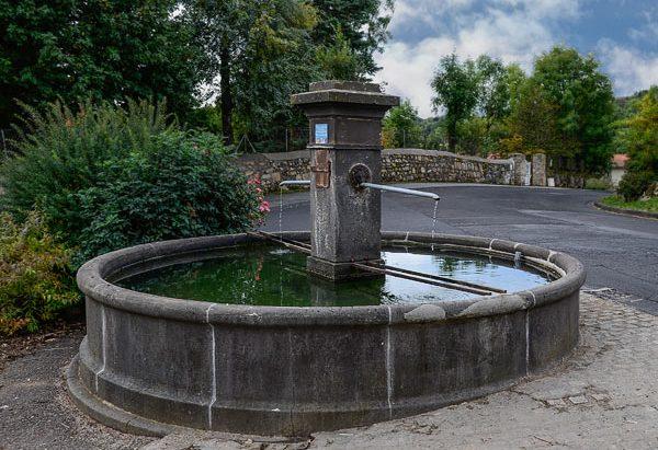 La Fontaine route de Saint-Aubin à Manson