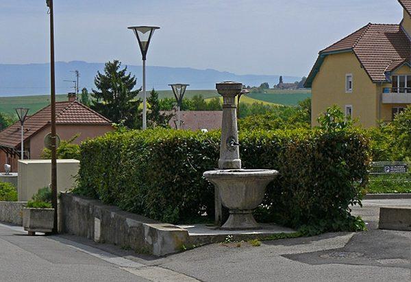 Fontaine rue du Bordeau