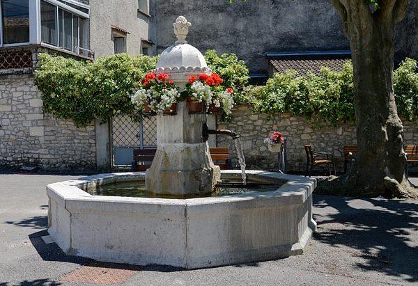 La Fontaine route de Montélimar
