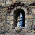 Statue de Ste-Anne et Marie niche du Lavoir