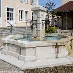 La Fontaine rue de la Liberté