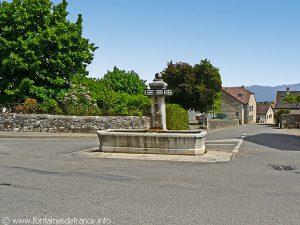 La Fontaine rue de la Louvatière