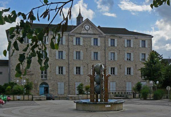 La Fontaine Place Auguste Roche
