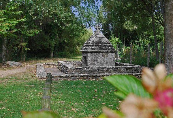 La Fontaine Notre-Dame de Lotivy