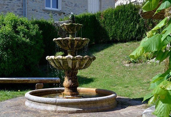 La Fontaine Square de la Mairie
