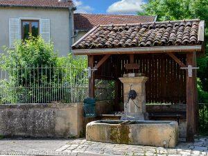 La Fontaine Poirot et le Lavoir
