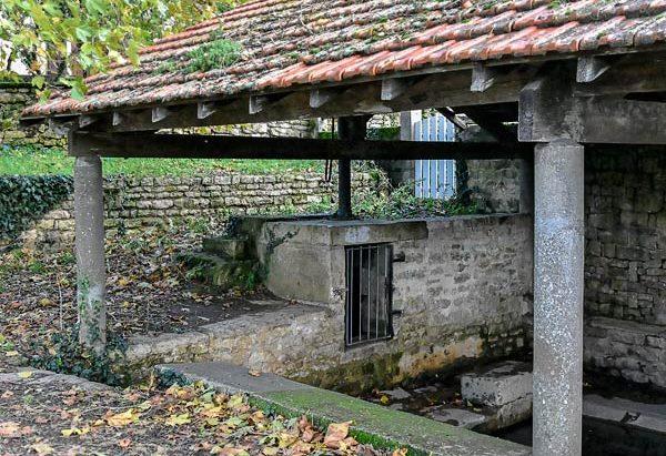 La Fontaine et le Petit Lavoir de Mougon
