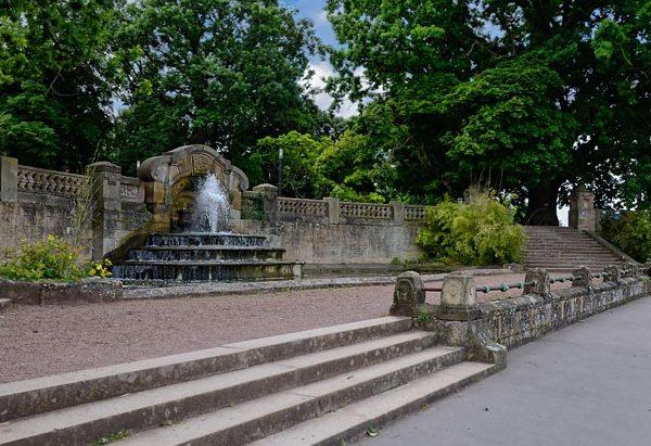 La Fontaine en contrebas du Square Boufflers