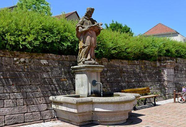 La Fontaine Saint-Jean Népomucène