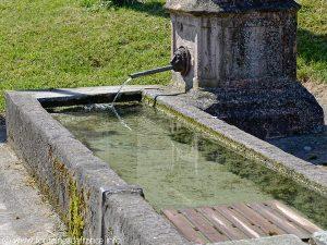 La Fontaine Grande RueLa Fontaine Grande Rue