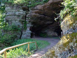 La Source de la Grotte St-Léon