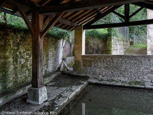 La Fontaine rue des Sources