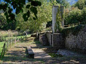 Fontaine et lavoir de Vaumoreau